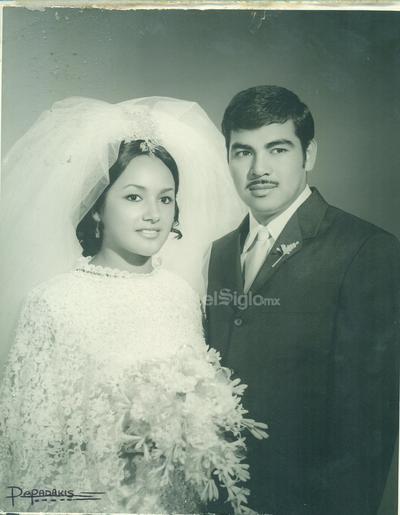María del Rosario Ortiz Arellano y Miguel Franco Lara, se casaron el 30 de agosto de 1969. Se encuentran celebrando 50 años de matrimonio