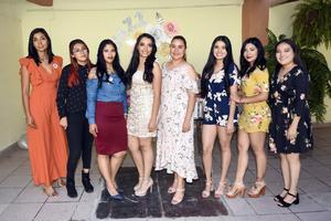24082019 La novia acompañada de sus damas de honor, Isabel, Lizeth, Estefany, Nakaren, Ivette, Damaris y Gladys.