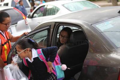 Uno de los factores visibles fue el aumento del tráfico por el regreso de miles de niños a las aulas.