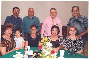 25082019 César, Ramiro, José, Ramón, Elba, Concha, Gloria y Lucy.