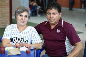 24082019 EN EL BEIS.  Bertha y Javier.