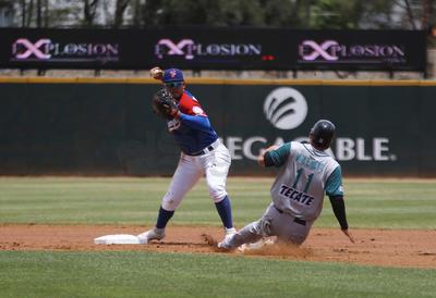 En el primer duelo de este domingo, los Saraperos de Saltillo aseguraron la serie al son de 6-2.