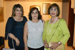 27082019 EN UN CONCIERTO DE LA CAMERATA.  Ivonne, Alejandra y Bertha Aurora.
