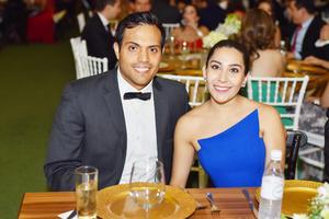 Juan y Sarahí.jpg