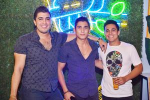 Roberto, Alejandro y Sifo.jpg