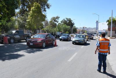Autoridades realizaron un operativo en calles de Torreón.