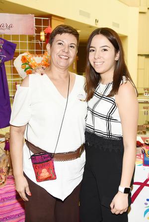 Adriana Moreno y Carmen Leyva.jpg