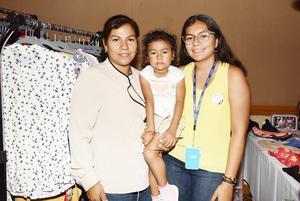 África Vázquez, Miranda y Frida Flores.jpg