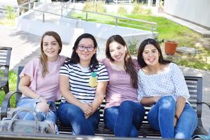 Isabel, Luisa, Natalia y Andrea.jpg