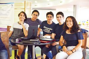 Julio, Víctor, Diego, Borja y Enevi.jpg
