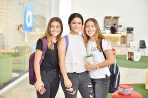 Romina, Ximena y Amina.jpg