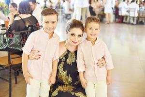 Lucila con Elías y Juan Pablo.jpg