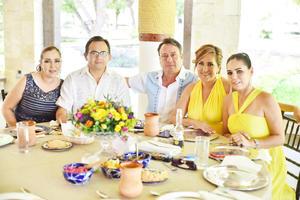 Verónica, Rafael, Güero, Marita y Ana.jpg