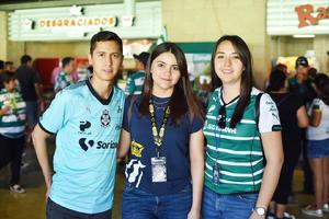 Luis, Julia y Silvia.jpg