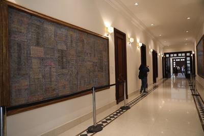 Carlos Molina, curador en jefe del Museo de Arte Moderno, comentó que algunas de las obras son Mesa con florero, de Vicente Gandía; El fantasma, de Alejandro Colunga; y La violencia y la intolerancia, de Rafael Coronel, entre otras.