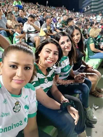 Clau Lore, Anilu Dávila, Ana Cris Sandoval y Gloria Sandoval.
