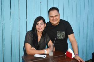 29082019 GOZAN DE UNA AMENA TARDE.  Luisa y Germán.