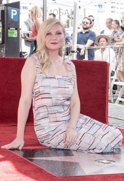Kirsten Dunst recibe su estrella en el Paseo de la Fama