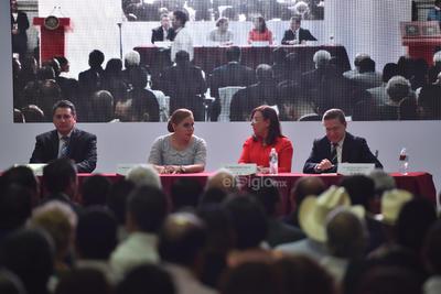 Marina Vitela señaló que el cambio verdadero no depende de una persona sino de la participación activa de los ciudadanos, por lo que su gobierno, expresó, será plural.