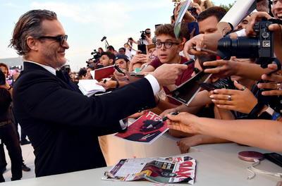 Joker llega con su abismo del mal y de locura a la Mostra de Venecia