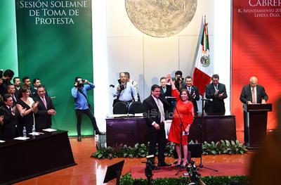 """En su discurso y luego de la ovación que recibió, el nuevo alcalde de Ciudad Jardín aseguró que conformará un equipo de trabajo """"a la altura de nuestro tiempo y de lo retos que enfrentamos en el siglo XXI""""."""