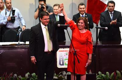 Homero Martínez Cabrera tomó protesta esta tarde como presidente municipal de Lerdo para el periodo 2019-2022.