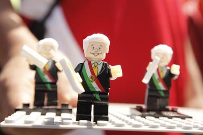 Previo al mensaje del presidente, primeramente se realizaron los debidos actos cívicos a los Símbolos Patrios mexicanos.