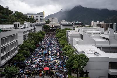 Las protestas prodemocráticas ahora invadieron las aulas.