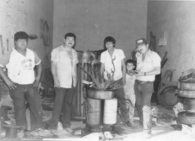 Pablo Nieto, Eugenio Leyva Godoy, Luis Guerrero, Mario Guerrero y Niño Coronel. Fotografía de 1984 en Matamoros, Coahuila.