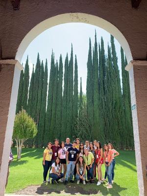 01092019 DE VACACIONES.  Mayte en compañía de sus amigos en Parras de la Fuente, Coahuila.