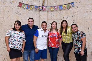 04092019 UN AñO MáS DE VIDA.  Víctor César Cedillo disfrutó de su cumpleaños en compañía de Perla, Luis, Claudia, Perla y Luis.