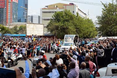 Miles de personas llenaron las calles de la capital de Mozambique para poder saludar al Papa Francisco,