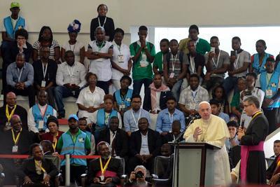El Papa Francisco habló ante la multitud.