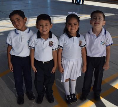 Manuel, Daniela, Alexander y Cruz Matías