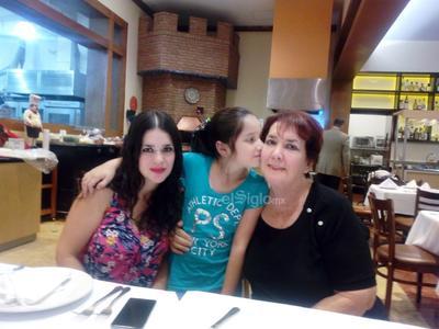 Rosy, Andrea y Bertha.