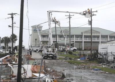 Un tornado afectó Emerald Isle en Carolina del Norte.