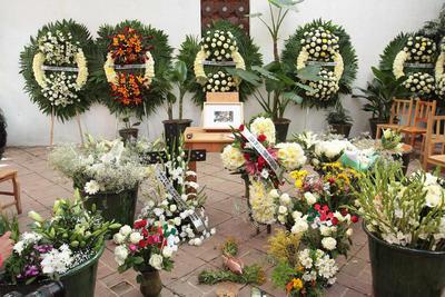 Homenaje a Francisco Toledo en el patio del IAGO.