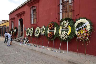 Instituto fundado por Francisco Toledo recibe muestras de afecto para el fallecido maestro.