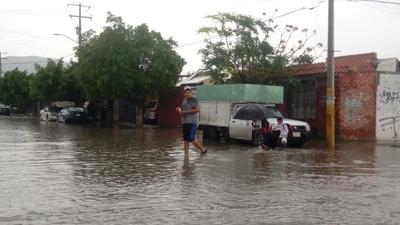 Elementos de Protección Civil y Bomberos exhortaron a la ciudadanía a tomar las respectivas precauciones al momento de ir al volante.