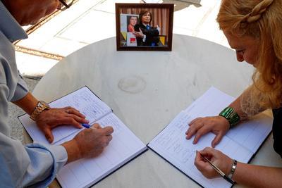 Dan su último adiós a Camilo Sesto en España