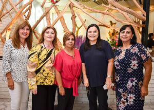 08092019 UN AñO MáS DE VIDA.  Lauris González de Lara, acompañada de Mayela Saracho, Norma Aguirre, Claudia Márquez y Cecy de Lara.