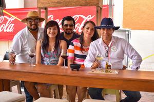 07092019 ENTRE AMIGOS.  Rachid Arrañaga, Daniela Arroyo, Édgar Tolentino, Noemí Caldera y Adolfo Perales.