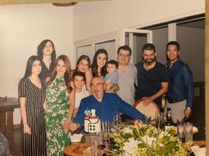09092019 CUMPLEAÑOS.  Don Chema festejó un año más de vida.