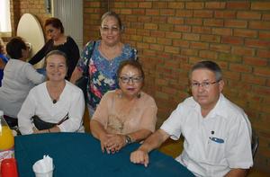 10092019 Dolores, Lily. Raquel y Sergio.
