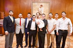 Nader Abularage y los invitados de su papá