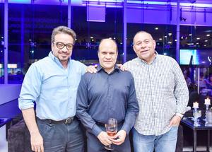 Alfonso León, Israel Velarde y José Juan Flores