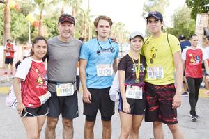 Victor, Ani, Gabriel, Julián y Lidia