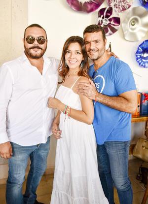 Efrain, Mercedes y  Pablo Montero