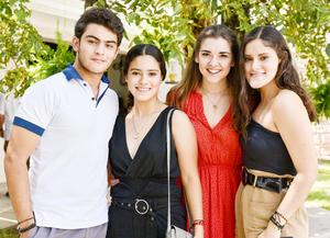 Juan Carlos Galindo, Ximena Rodríguez, Sofía Gutierrez y Angela Rodríguez