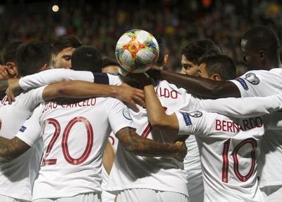 Cristiano Ronaldo aumenta su marca goleadora con Portugal